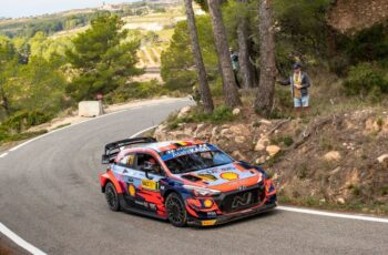 WRC Ράλι Ισπανίας: Ξέφυγε ο Neuville (video) - NewsAuto.gr