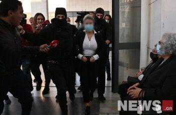 Επίθεση με βιτριόλι: Ο εισαγγελέας πρότεινε την ενοχή της κατηγορούμενης για απόπειρα ανθρωποκτονίας