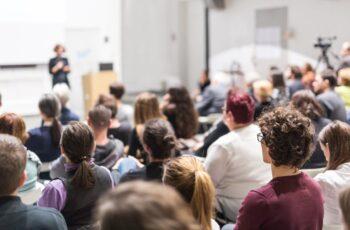 Κορονοϊός: Η πανεπιστημιακή κοινότητα δείχνει τον δρόμο – Υψηλό ποσοστό εμβολιασμού σε καθηγητές και φοιτητές